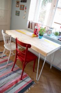 Jídelní stůl z palet