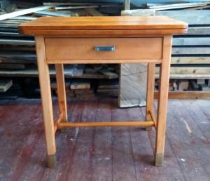 Bukový stolek po renovaci