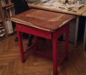Kuchyňský stolek před renovací